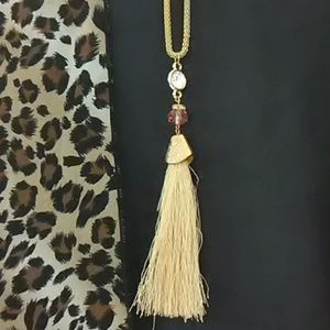 Jewelry - ✨ BOGO SALE New Boutique Tassel Necklace